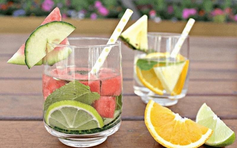 làm nước detox giảm mỡ bụng từ dưa hấu