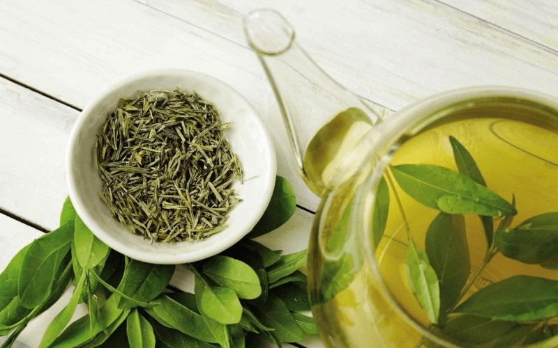 làm nước detox giảm mỡ bụng từ trà xanh