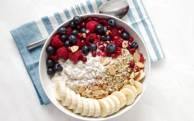 ăn yến mạch với sữa tươi giảm cân