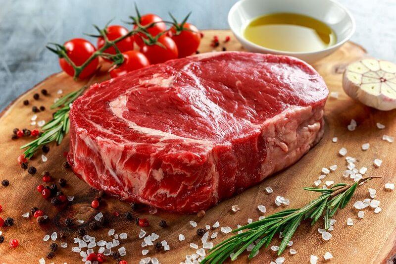 Kiêng thịt bò sau khi phun môi