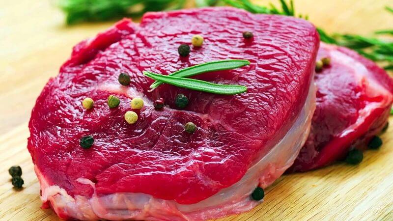 Nên kiêng thịt bò khi vừa thực hiện phun môi
